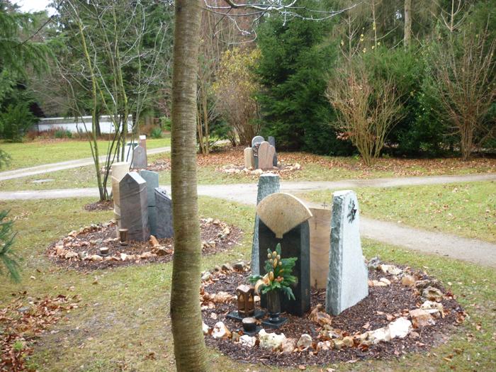 Grabstättenkonzept mit pflegeleichten Gräbern - 024