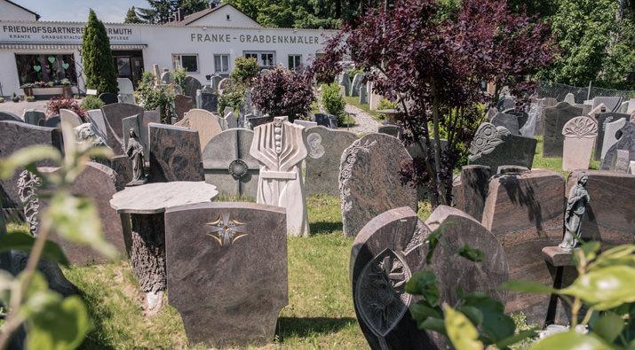 Franke Naturstein Kategorie Grabdenkmäler