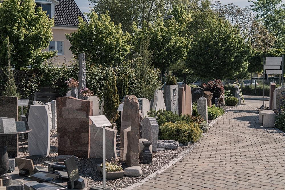 Franke Naturstein - Grabdenkmal 4