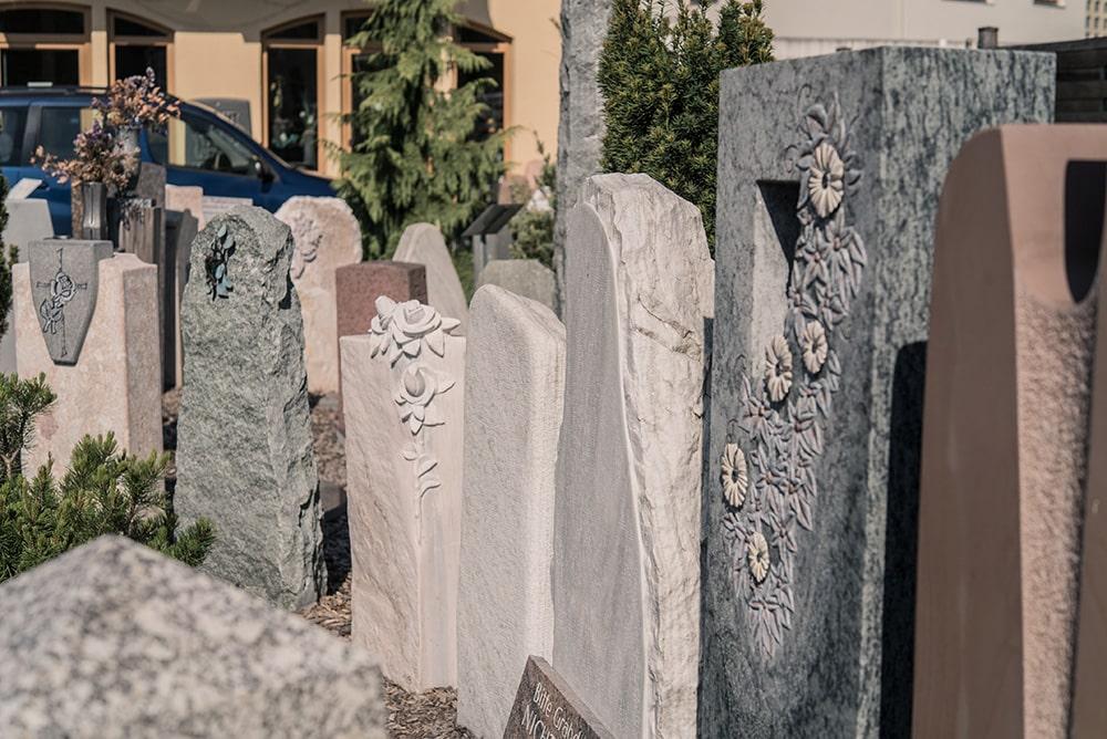 Grabdenkmäler bei Franke Naturstein
