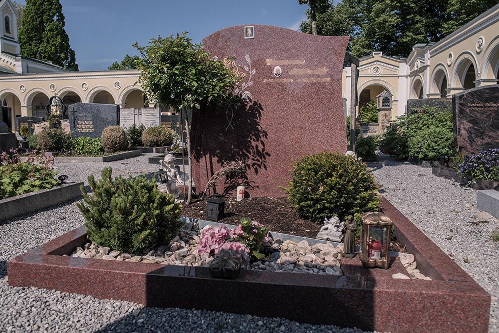 Franke Naturstein - Grabdenkmal 6