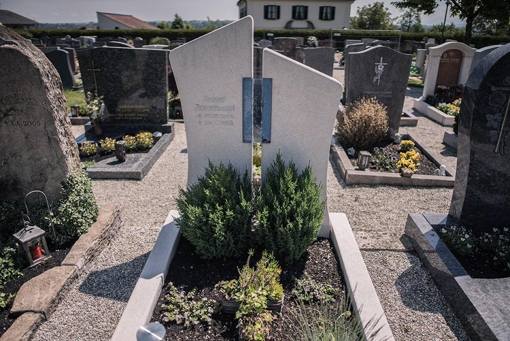 Franke Naturstein - Grabdenkmal 31