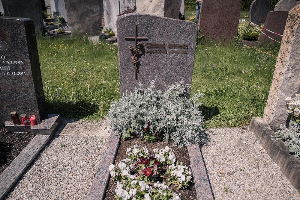 Franke Naturstein - Grabdenkmal 36