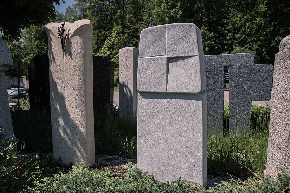 Franke Naturstein - Grabdenkmal 38