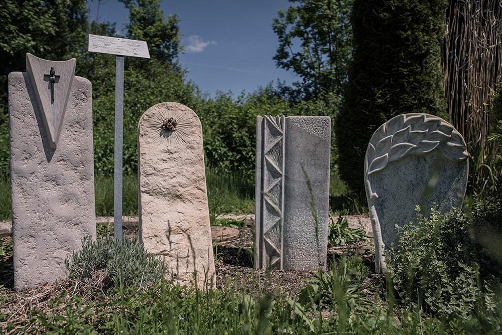 Franke Naturstein - Grabdenkmal 39