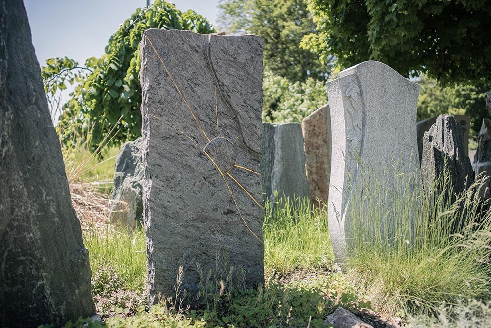 Franke Naturstein - Grabdenkmal 40