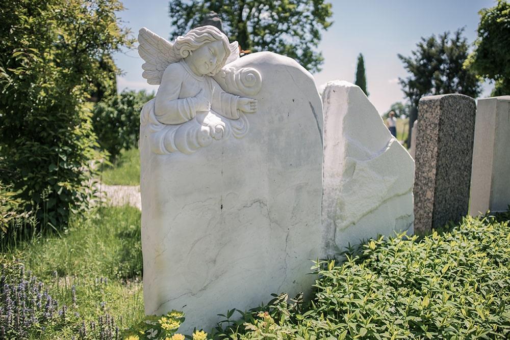 Franke Naturstein - Grabdenkmal 41