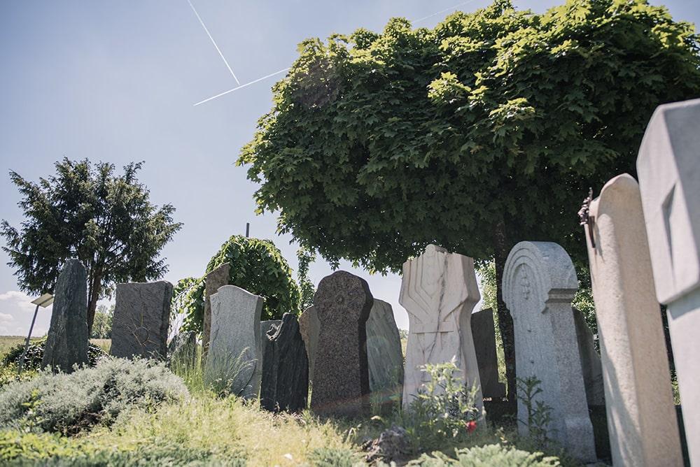 Franke Naturstein - Grabdenkmal 44