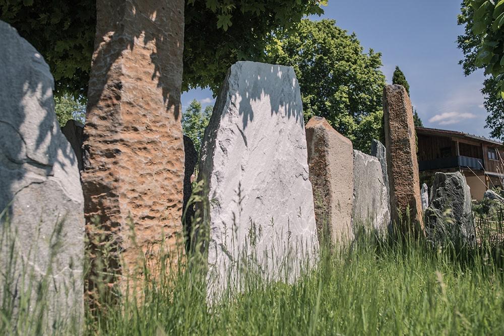 Franke Naturstein - Grabdenkmal 45