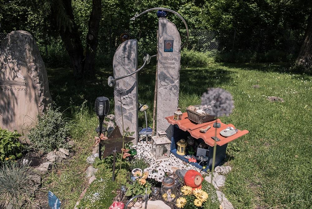Franke Naturstein - Grabdenkmal 46