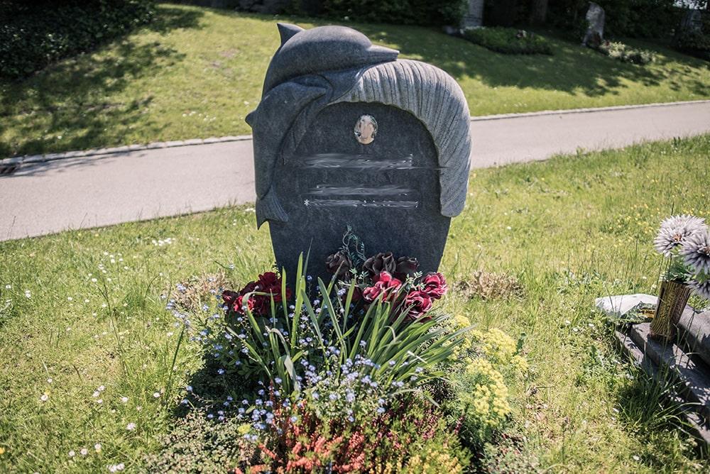 Franke Naturstein - Grabdenkmal 52