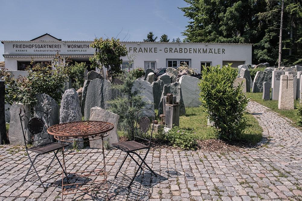 Franke Naturstein Grabdenkmäler Ausstellung 5